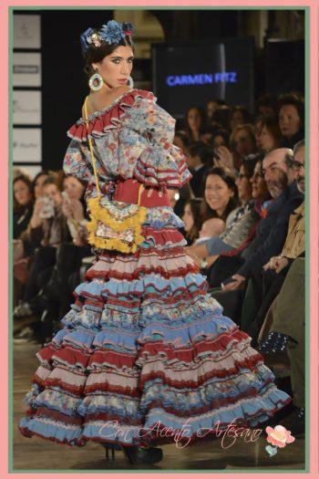 Palabra de honor y falda flamenca cuajada de volantes de Carmen Fitz
