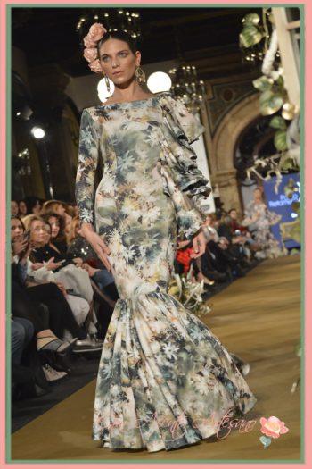 Traje de flamenca estampado de flores de Cloe