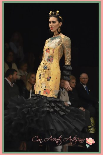 Traje de flamenca de Ángeles Gálvez inspirado en El Beso de Klimt