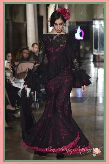 Traje de flamenca de encaje en negro de El Madroñal