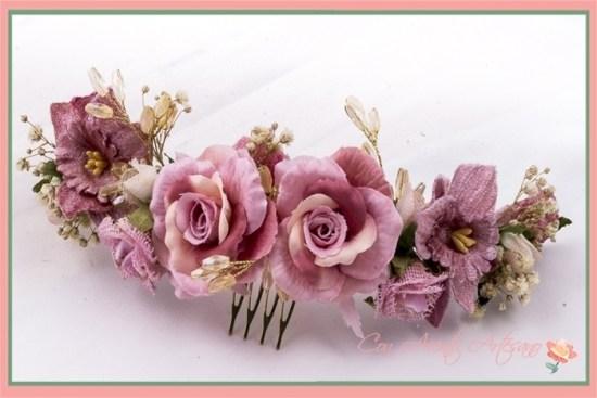 Peinecillo de rosas para invitadas y novias de Ópalo Negro