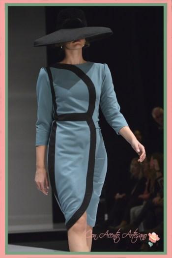 Vestido azul manga francesa de Ángeles Gálvez