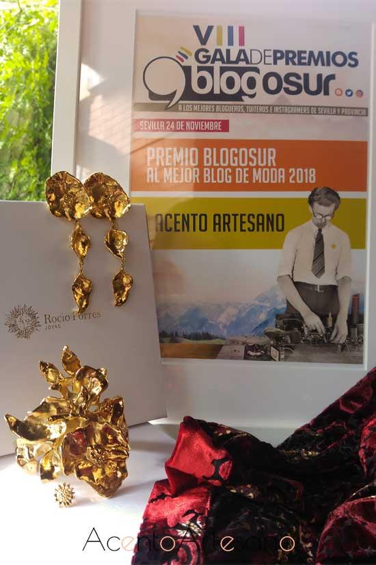 Pendientes y brazalete de la colección Amapolas de Rocío Porres y kimono de Ángeles Verano que llevé en la Gala Blogosur