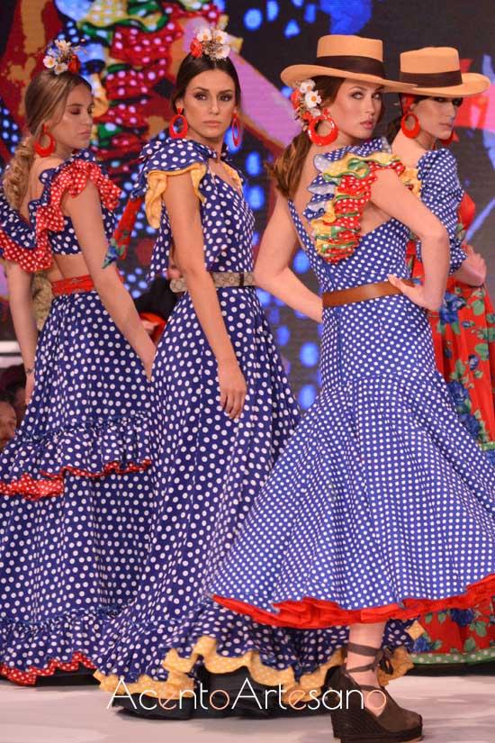 Trajes de flamenca de lunaritos de Cristo Báñez en Pasarela Doñana D´Flamenca
