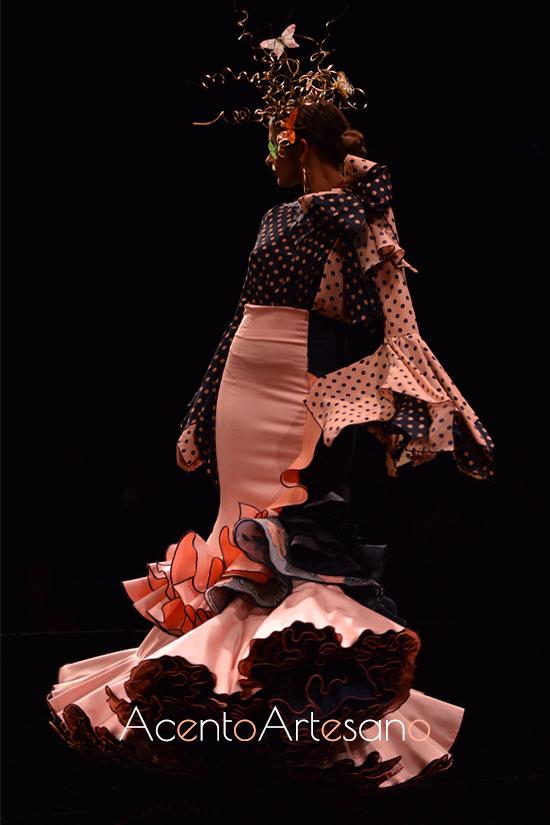 Traje de flamenca de dos piezas en negro y nude de Francisco Tamaral