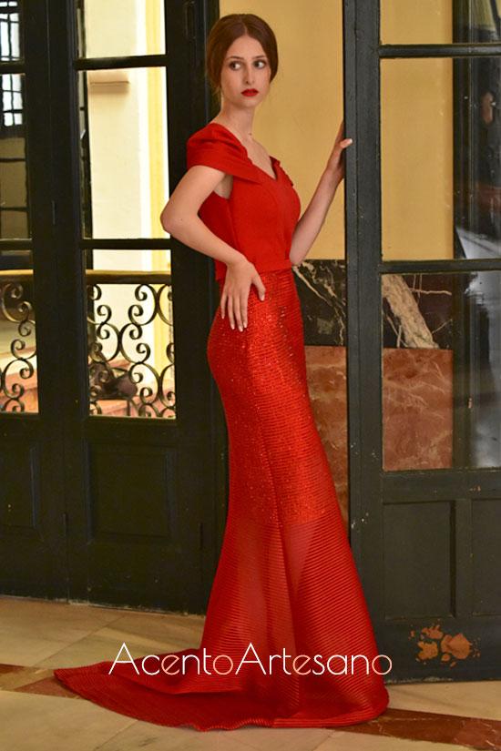 Vestido de fiesta en rojo de Carmen Latorre
