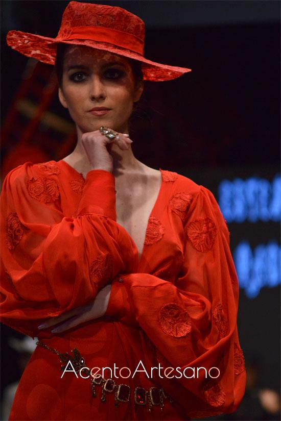 Sombreros y cinturones para las flamencas de Estefanía Padilla
