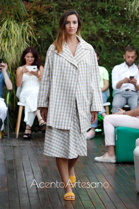 Líneas rectas para estilismos de Israel Rodríguez