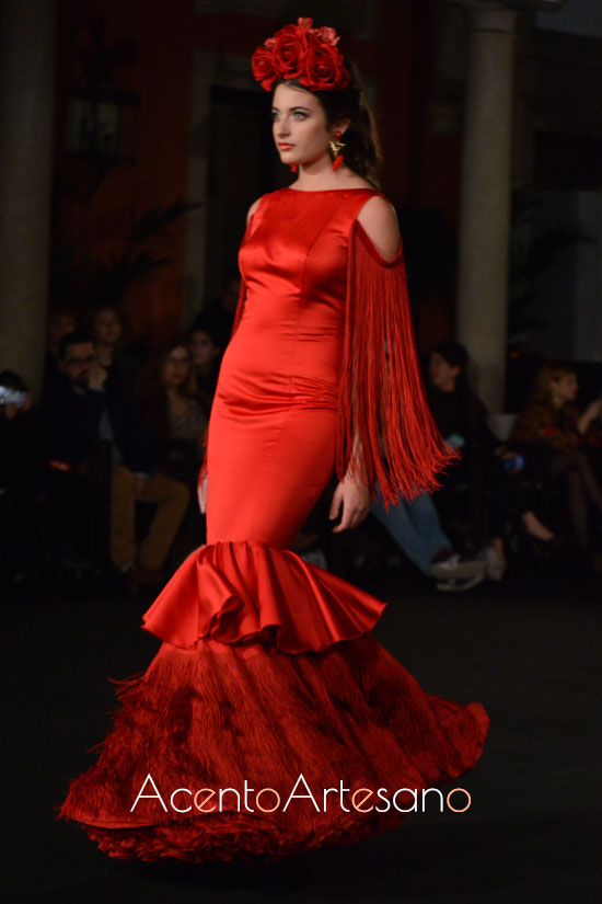 Traje de flamenca rojo de Santos Rodrígues