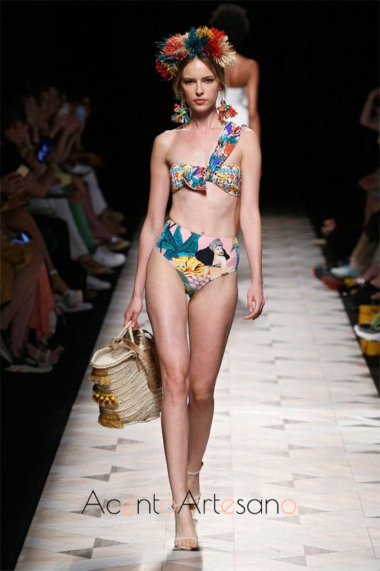 Bikini de braguita alta de Dolores Cortés