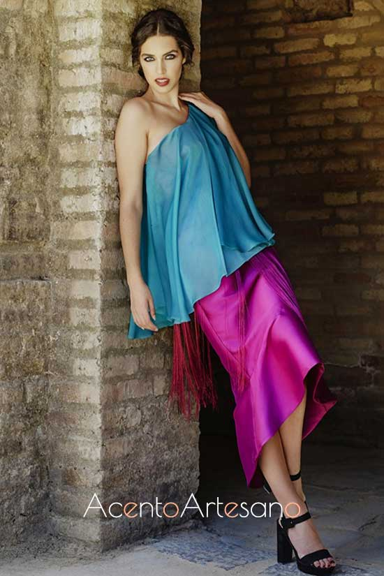 Vestido de invitada en turquesa y fucsia de Beatriz Benítez