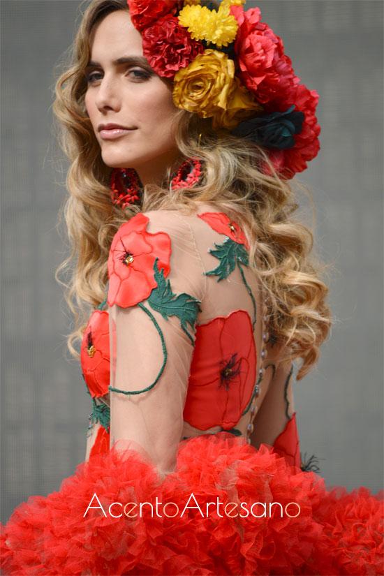 Ángela Ponce con traje de flamenca de Rosapeúla en la Pasarela Flamenca Granada