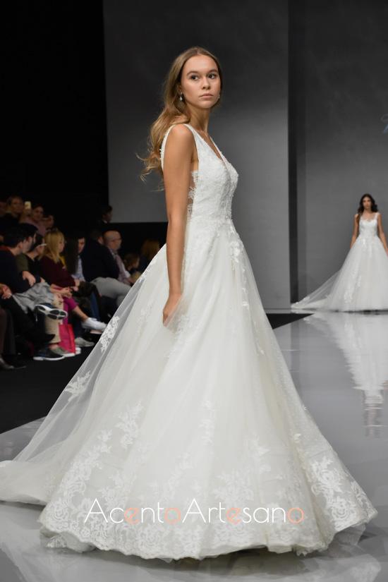 Vestido de novia silueta princesa de Vertize Gala en Sevilla de Boda 2019