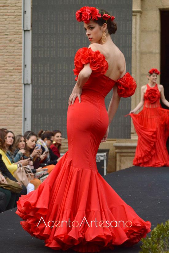 Traje de flamenca rojo de Hita y Arcos en Pasarela Flamenca Granada