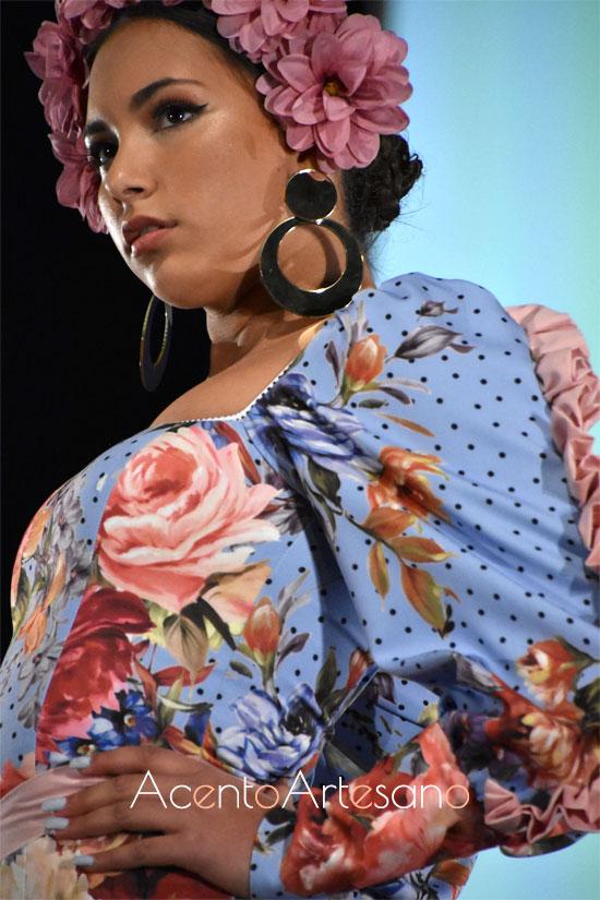 Detalles de las mangas con carruchas del traje de flamenca de María Bustos