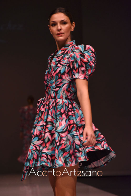 Vestido estilo ladylike estampadomde florew de Sara Sánchez