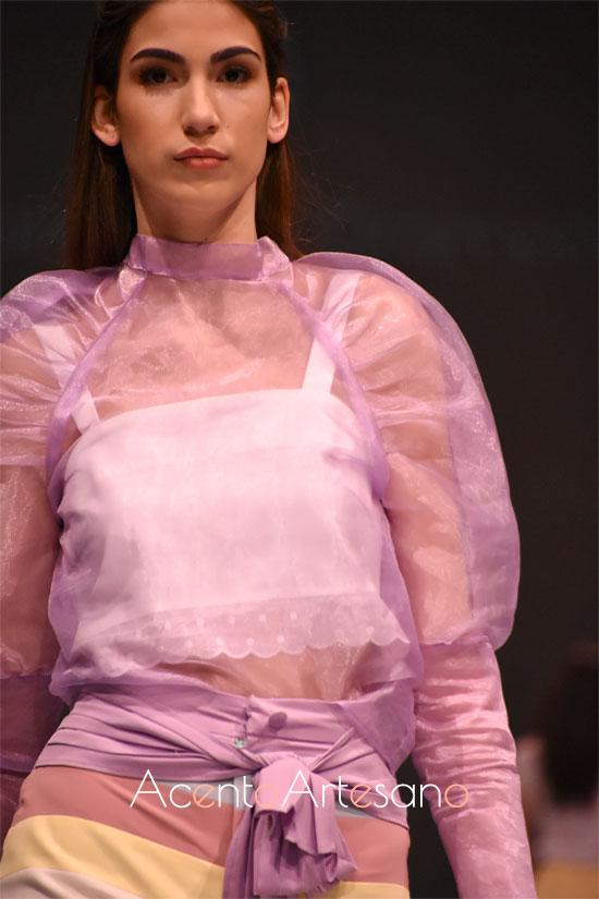 Las mangas ranglan de Rocío Ballesteros tienen volumen y se ajustan a los puños de diferentes maneras