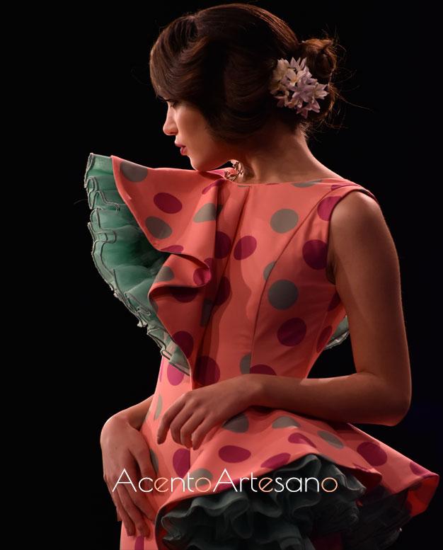 Detalles de los volantes de Cristina Vázquez en su colección 'Deja que te mire'