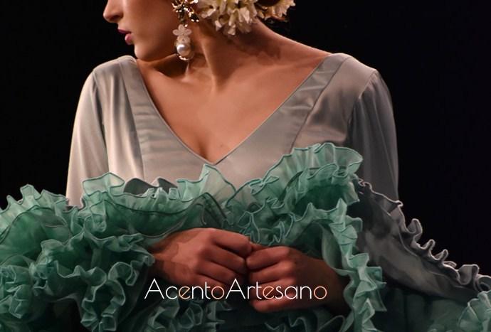 Lunares de colores para trajes de flamenca de Cristina Vázquez en su nueva colección 'Deja que te mire'