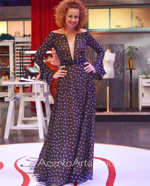 Esther Arroyo vestida de Roberto Díz
