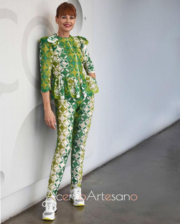 Esther Arroyo vestida de Manuel Odriozola