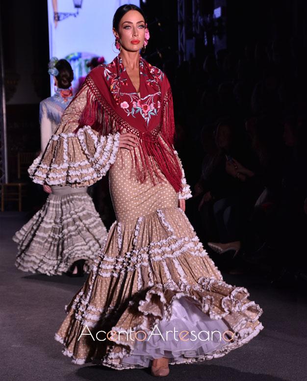 Traje de flamenca de popelín con lunar pequeños de Carmen Acedo