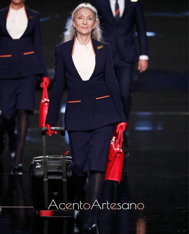 Nuevos uniformes de Iberia por Teresa Helbig