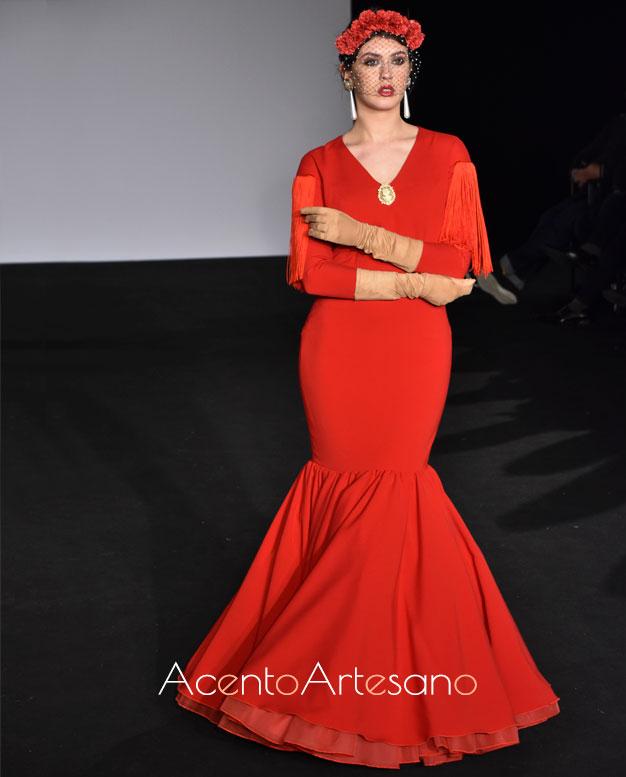 Traje de flamenca rojo Tangee con un solo volante de Mg Macías
