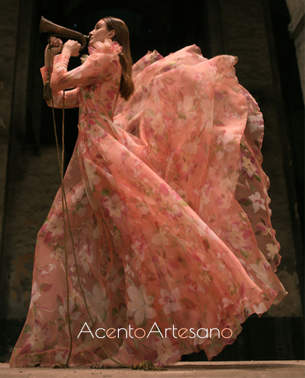 Vestido largo estampado de Alejandro Postigo para SIQ, Handcraft & Fashion