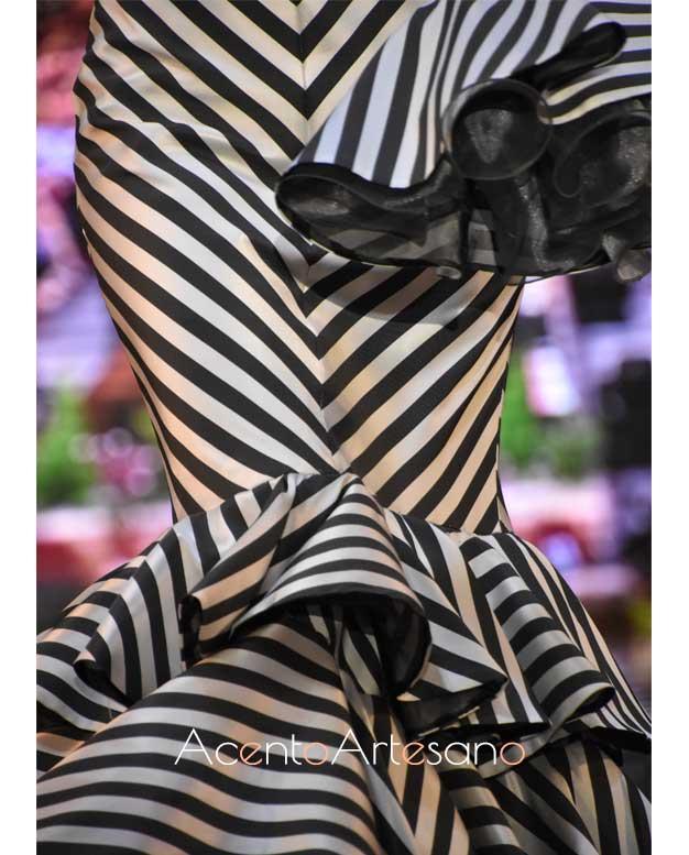 Detalles de uno de los diseños de la nueva colección de moda flamenca Miku de Isabel Perea