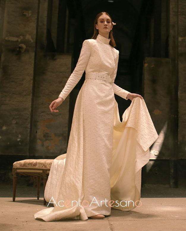 Vestido de novia de corte clásico de Pablo Lanzarote para SIQ, Handcraft & Fashion