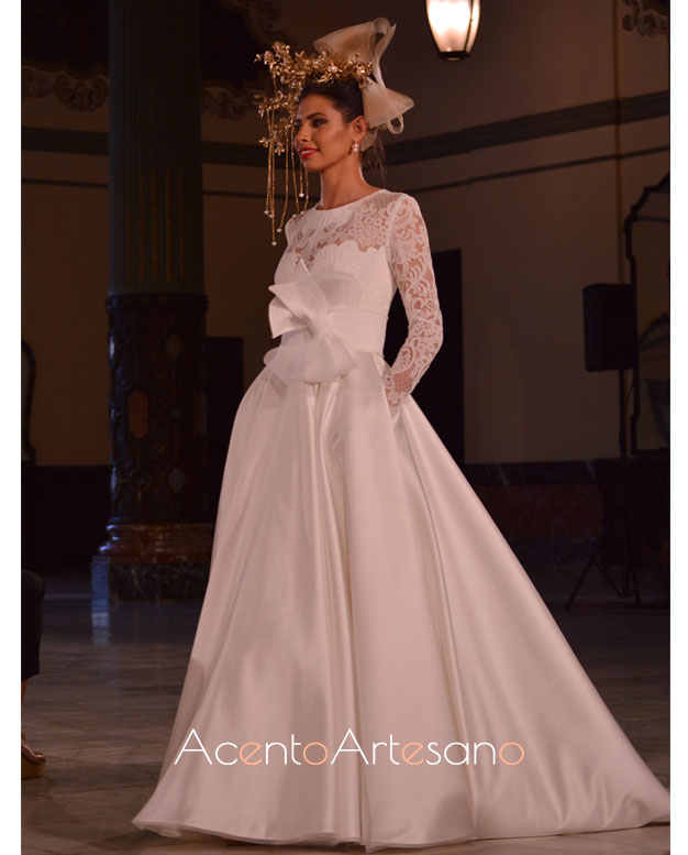 Vestido de novia con vuelo princesa de Francisco Tamaral en SIQ