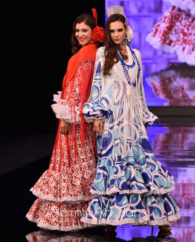 Trajes de flamenca estampados de corte setentero en el desfile de Mof&Art en SIMOF 2020