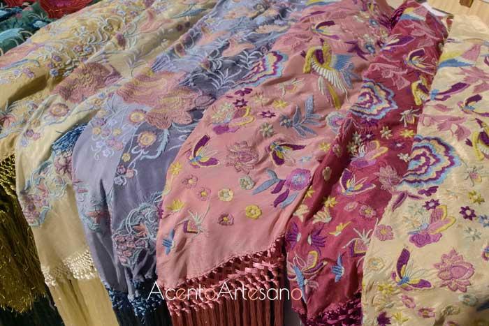 Mantones bordados en Gran Soho Alameda