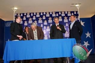 RAFAEL LORET DE MOLA PLASMÓ SUS HUELLAS EN GALERIA DE LAS ESTRELLAS (90)
