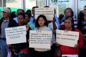 Protestas-usuarios-ante-la-CFE-por-incrementos-desconsiderados-1
