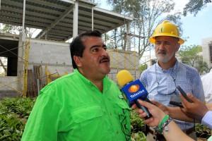 Supervisa-Armando-López-obra-de-la-Retama-donde-se-invierten-27-MDP-1