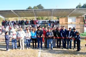 En-Almoloya-de-Juárez-el-alcalde-Vicente-Estrada-entrega-unidad-deportiva-en-Yebucivi-1