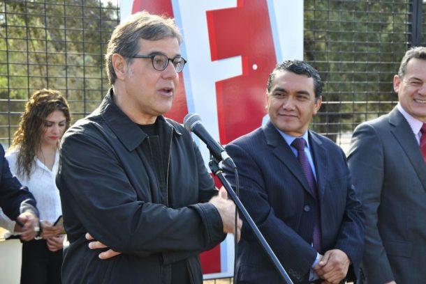 El diseñador Felipe Taborda, uno de los jurados en la selección de los carteles ganadores, destacó que festivales como el FINI deberían ser tomados como ejemplo en su país natal, Brasil.