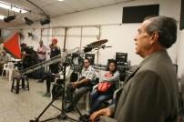 """Visita a TVCaricuao para conocer programa """"Aprendo haciendo TV"""" impulsado por el Fondo de Responsabilidad Social de CONATEL. (Foto: CONATEL)"""