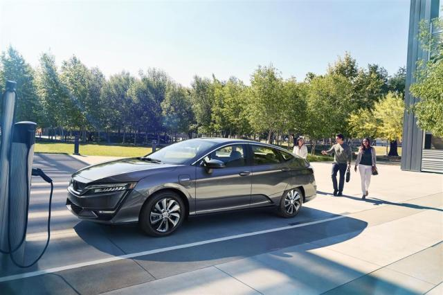 Image result for Honda Clarity Plug-In Hybrid wallpaper