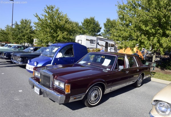 Auction Results and Sales Data for 1989 Lincoln Town Car