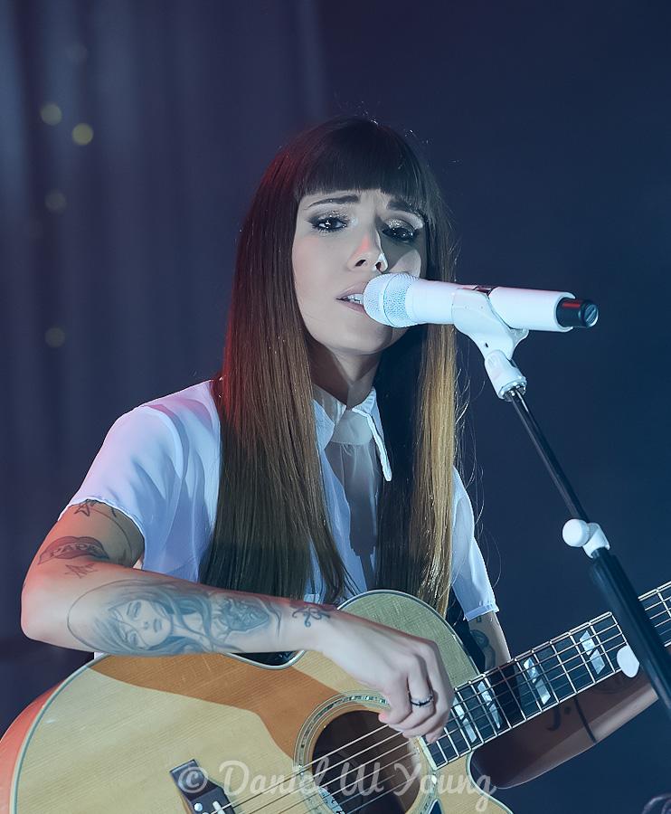Christina Perry 08ca