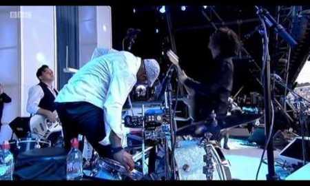 Jack White Covers Metallica's 'Enter Sandman'