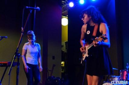 Shana Cleveland and Alice Sandahl of La Luz @ Kings Barcade © Dan Kulpa