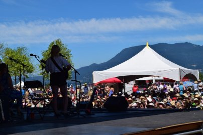 Basia Bulat @ Vancouver Folk Festival © Hannah Siden