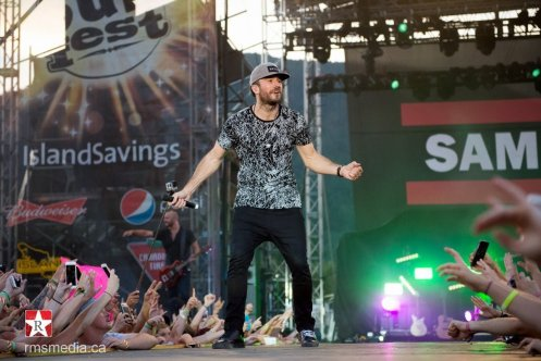 Sam Hunt live at Sunfest 2015 in Duncan, BC © RMS Media