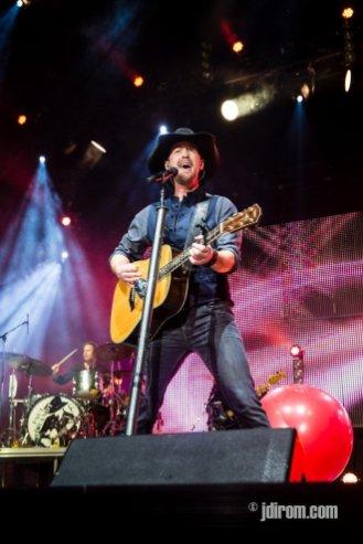 Paul Brandt @ Scotiabank Saddledome © J. Dirom