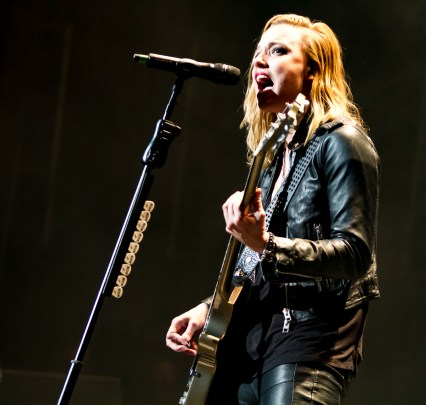 Halestorm @ Hamilton Place ©Wally Graves 2015
