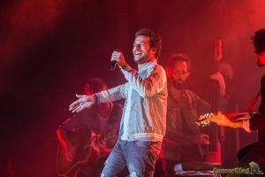 11 300x200 - Amir ouvre le bal des heures vagabondes 2017
